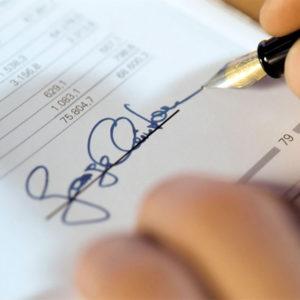 Firma falsa en documento privado